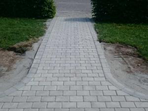 Plattgång till entre